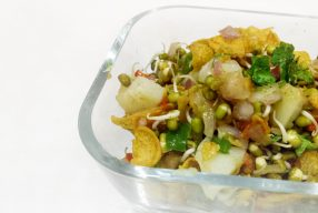 Sprouts & Flakes Chaat
